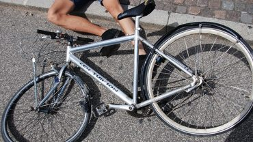 factors cause bicycling accidents