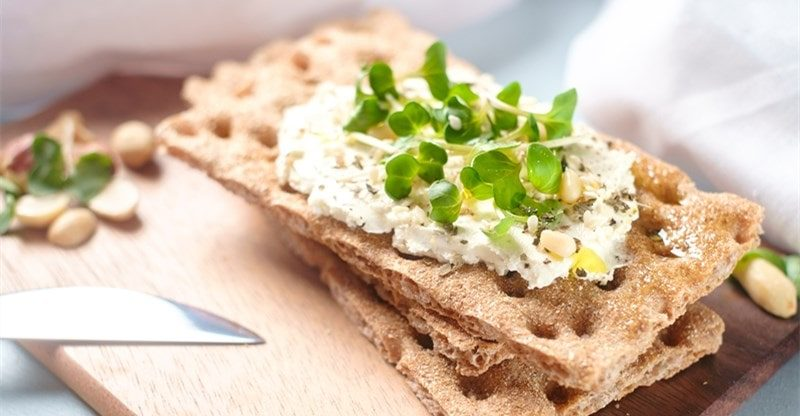 foods go well with crispbreads