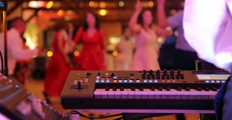 hire live band at special event