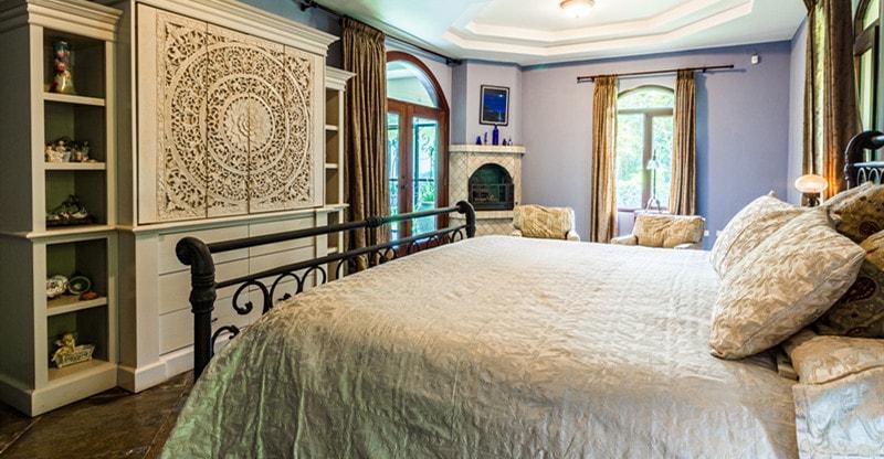 make room look luxurious
